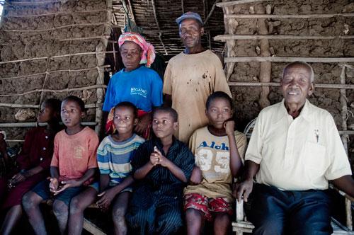 """""""MUYEYE"""", su DOC 3, storia di una follia africana"""