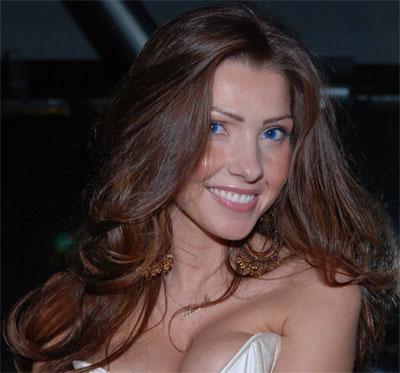 Manuela Ferrera debutta sul web