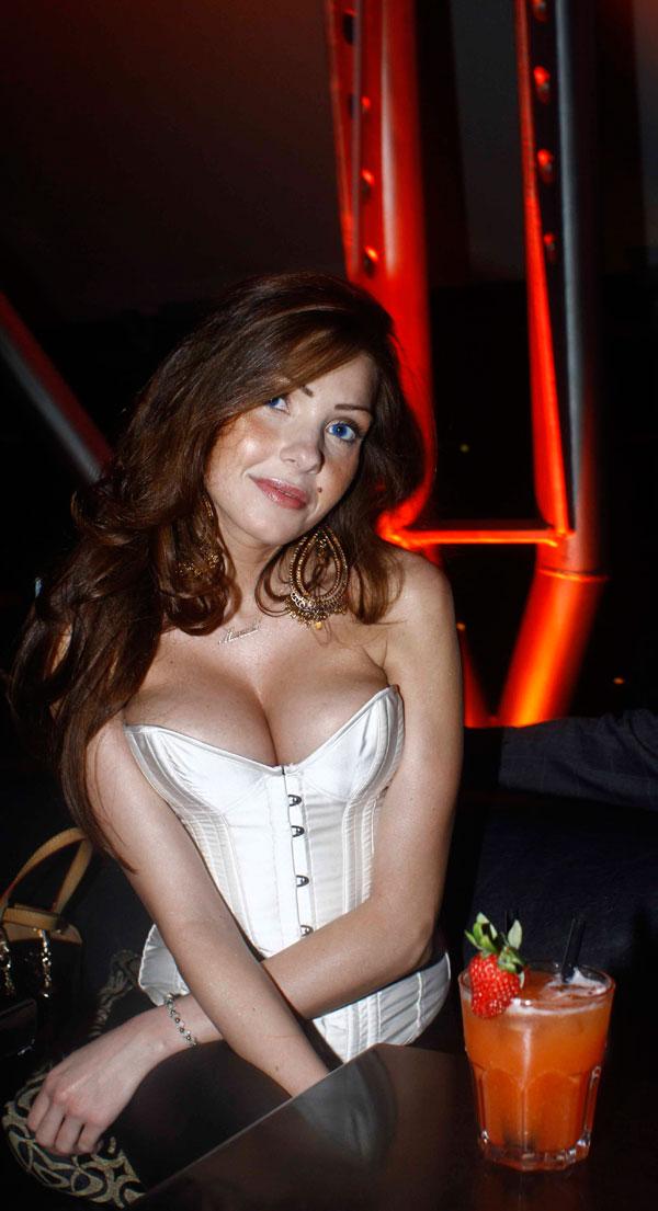Manuela Ferrera debutta sul web | UTV