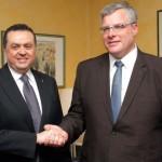 Il Presidente Sassun con l'Ambasciatore S.E. Noar Gilon, foto stampa