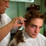 Robert Pattinson in una scena del film, foto stampa