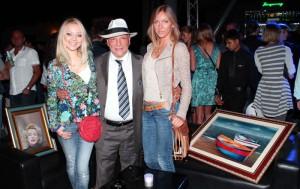 Il Maestro Cascella con amiche, foto stampa