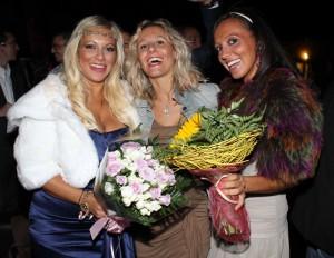 Le sorelle Longini con un'amica, foto stampa
