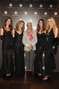 Romeo Sozzi tra le modelle, foto stampa