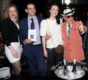 Il Conte Cascella con il Dott. Catona e Melania Dalla Costa, foto stampa