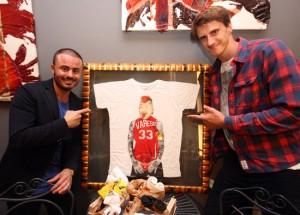 Gigli con Polonara e la nuova TShirt Varese, foto stampa