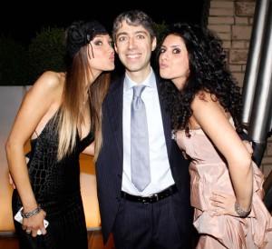 Stefania e Tiziana col direttore di InterTv, foto stampa