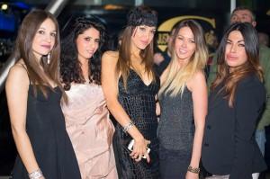 Stefy e Tiziana con le amiche, foto stampa