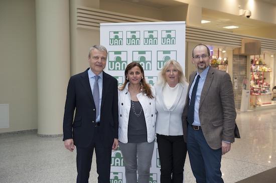 Dott Aldo Bocciardi, Dott.ssa Rossana Giove, Marisa Galli e Dott Alberto Giovanni Ambrosio, foto stampa
