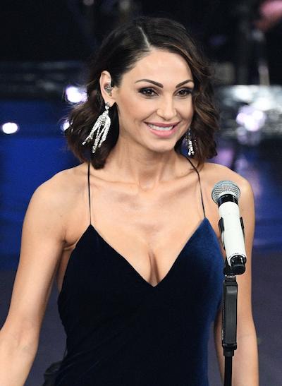 Anna Tatangelo veste Atelier Emé a Sanremo