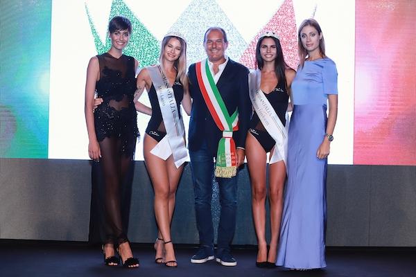 La premiazione con Alice Sabatini, Miss Italia 2015, foto stampa