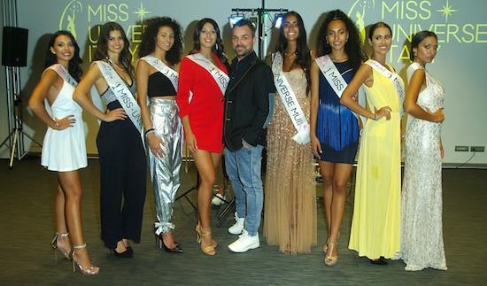 Il patron Marco Ciriaci con le miss, alla sua sx la vincitrice, foto stampa