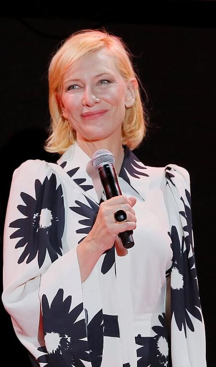 Cate Blanchett presenta la serie Mrs. America al Campari Boat